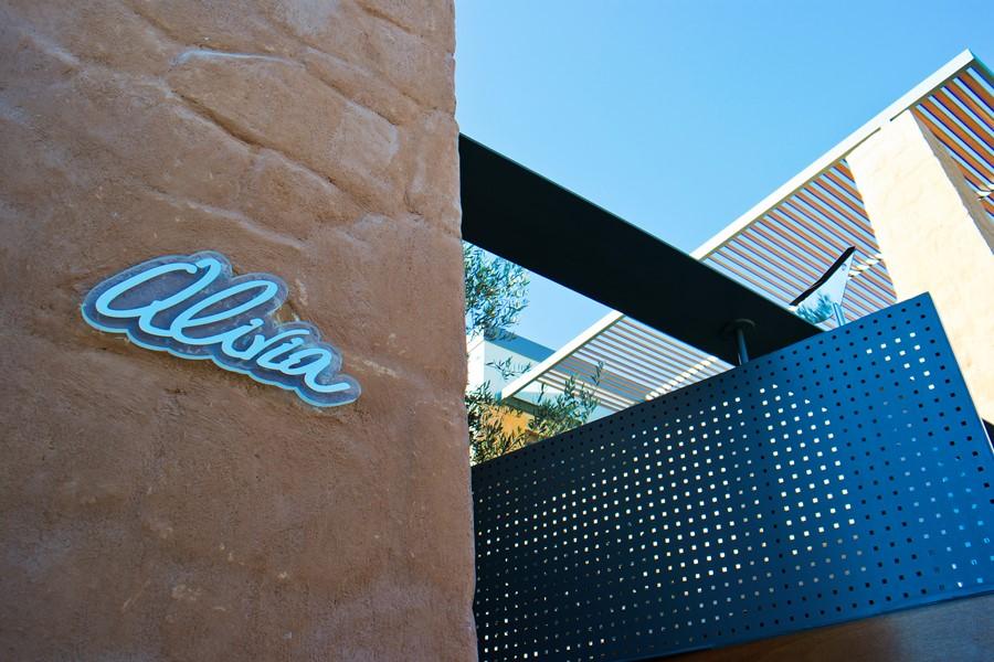 alivia villa in crete entrance